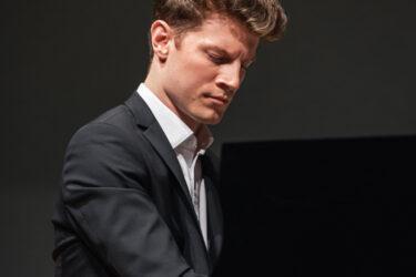 Alexander Krichel 01 Jan Prengel HP - Verein Musikfrende Kiel Webseite