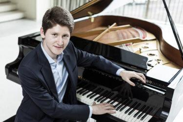 Emanuil Ivanov 3 c Luca Guadagnini - Verein Musikfrende Kiel Webseite